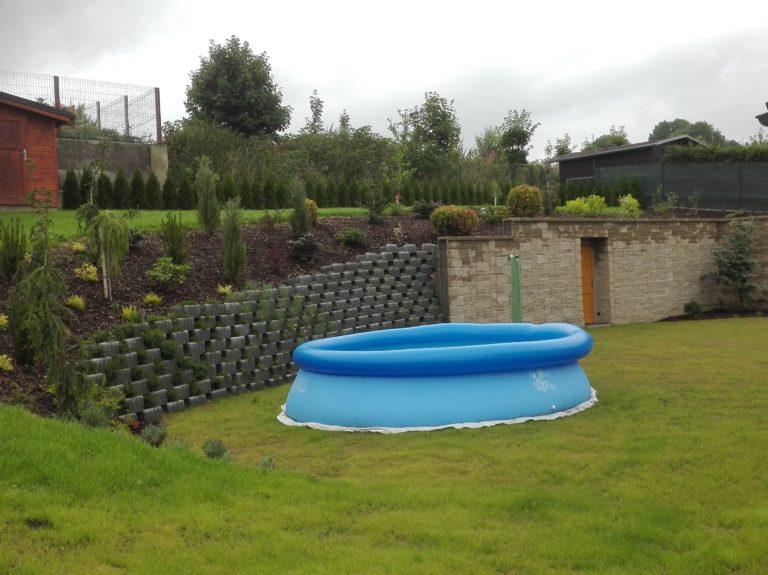 konstrukce zahradní zdi 1